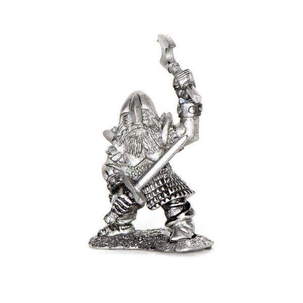 Dwarf wielding 2 Weapons